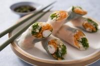 recette-e26436-rouleau-de-printemps-aux-crevettes-roses-sauce-aigre-douce