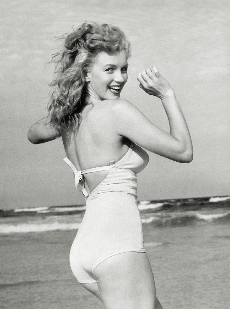 Marilyn Monroe at Beach, 1949 1