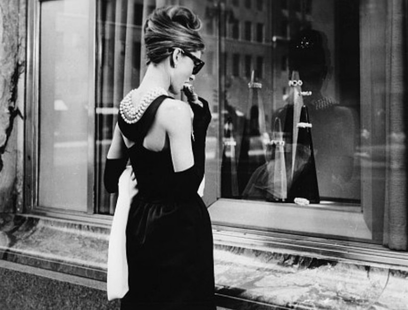 audrey-hepburn-window-shopping